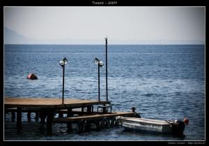 Un zoli petit ponton avec de bôs lampadaires. Oui, photo très utile.